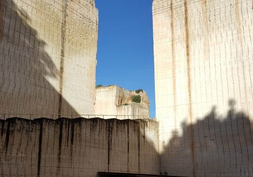 1836px-The_Lithica_Quarry_in_Menorca-2